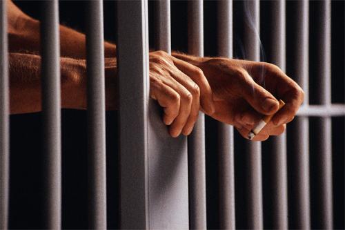 smoking in prison
